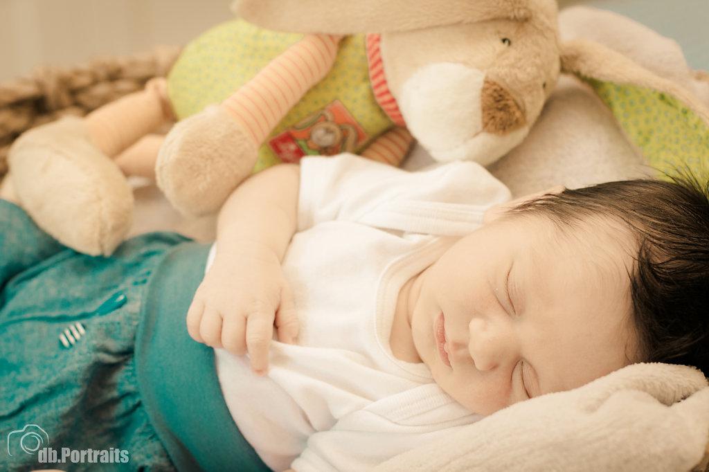Neugeborenenfoto Junge